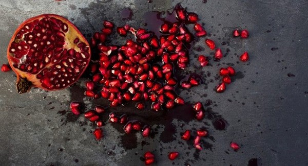 Pomegranate sashing, Greek new year's tradition
